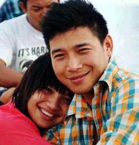Ei Mon San and Sai Aung Zaw Tun met online.