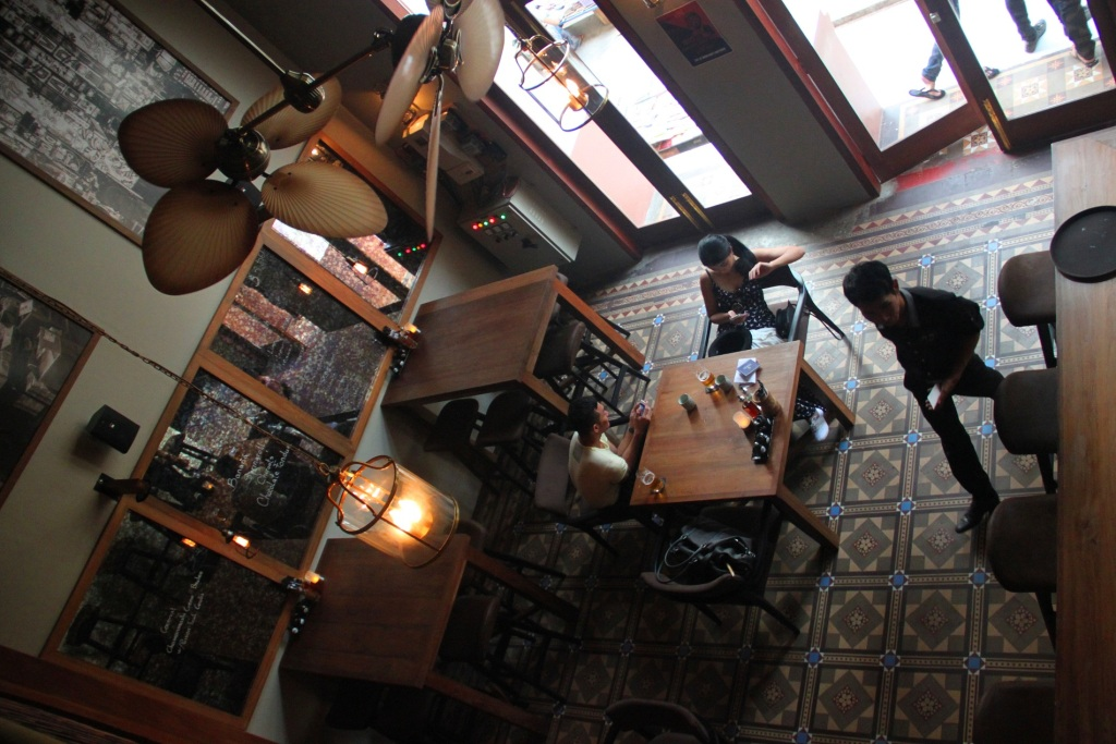 Gekko Bar and Cafe