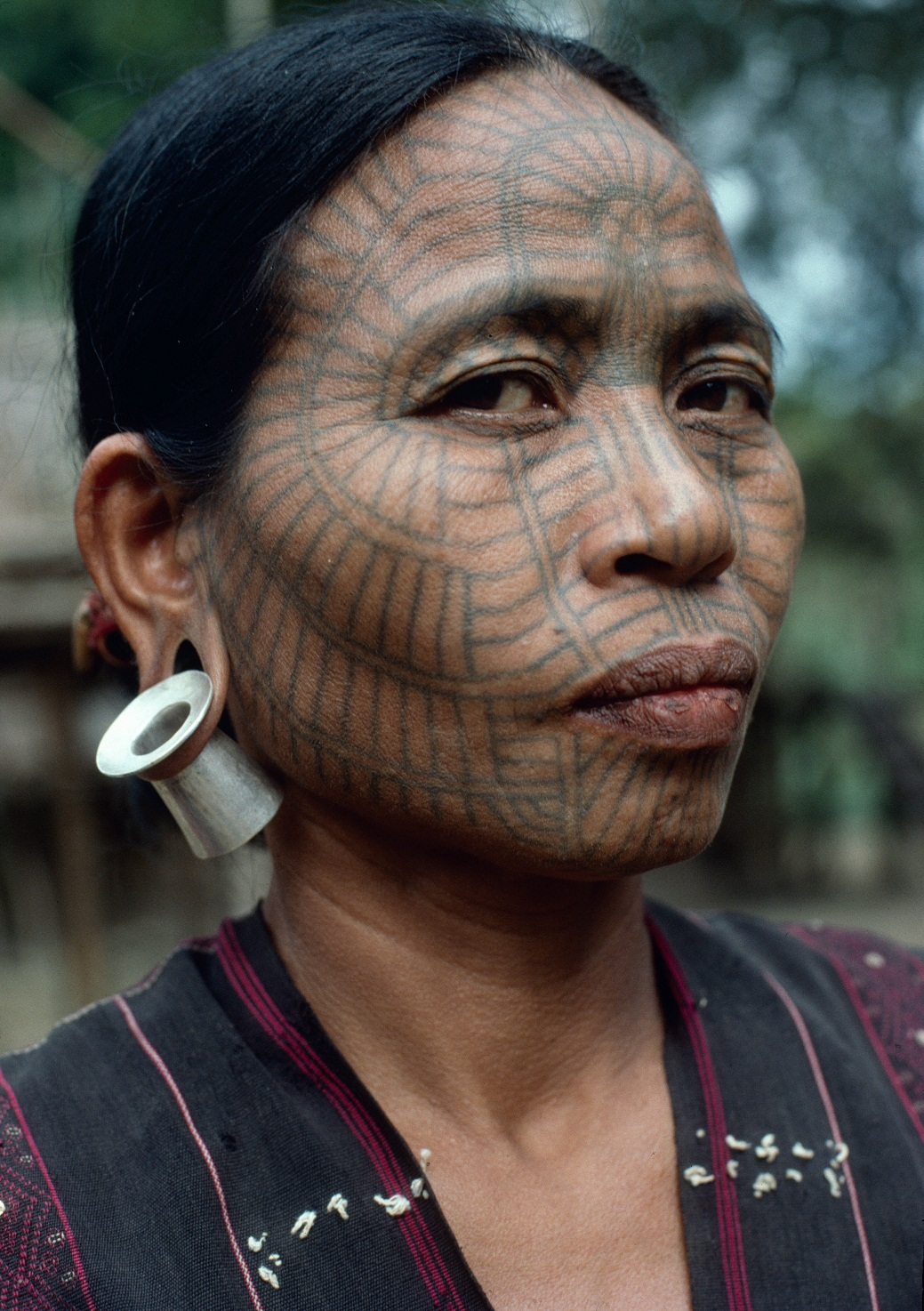A Laytoo Chin woman at the Lemro River in Chin State, 1997. Photo: Richard K. Diran