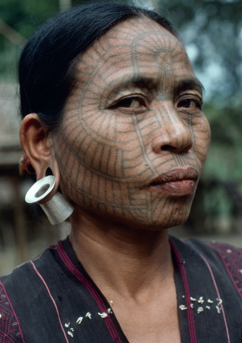 A Laytoo Chin woman at the Lemro River in Chin State, 1997. Photo: Richard K. Diran