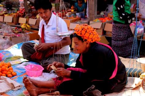 A Pa-O woman at a spice market
