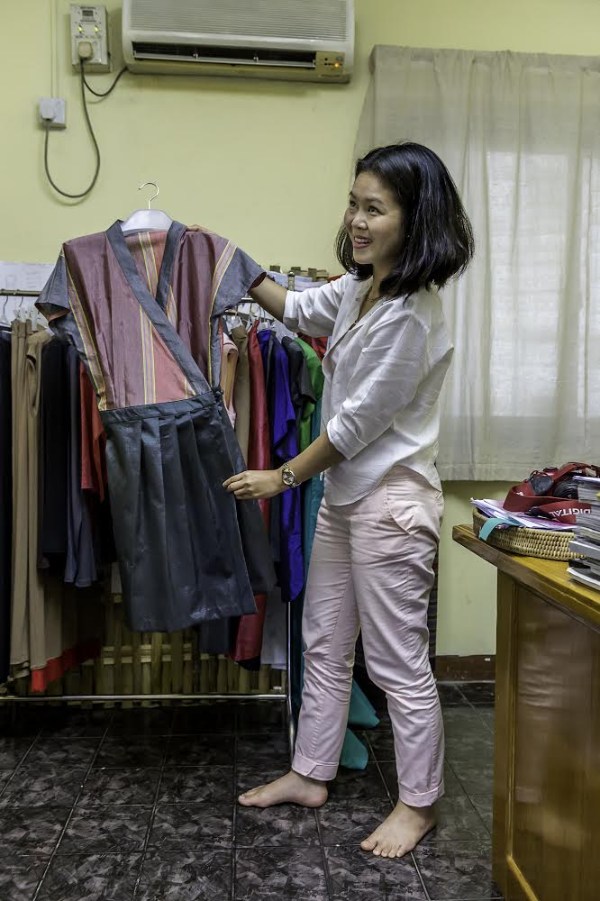 A cut above the rest: Burmese fashion designer Mo Hom returns from Soho (3/4)